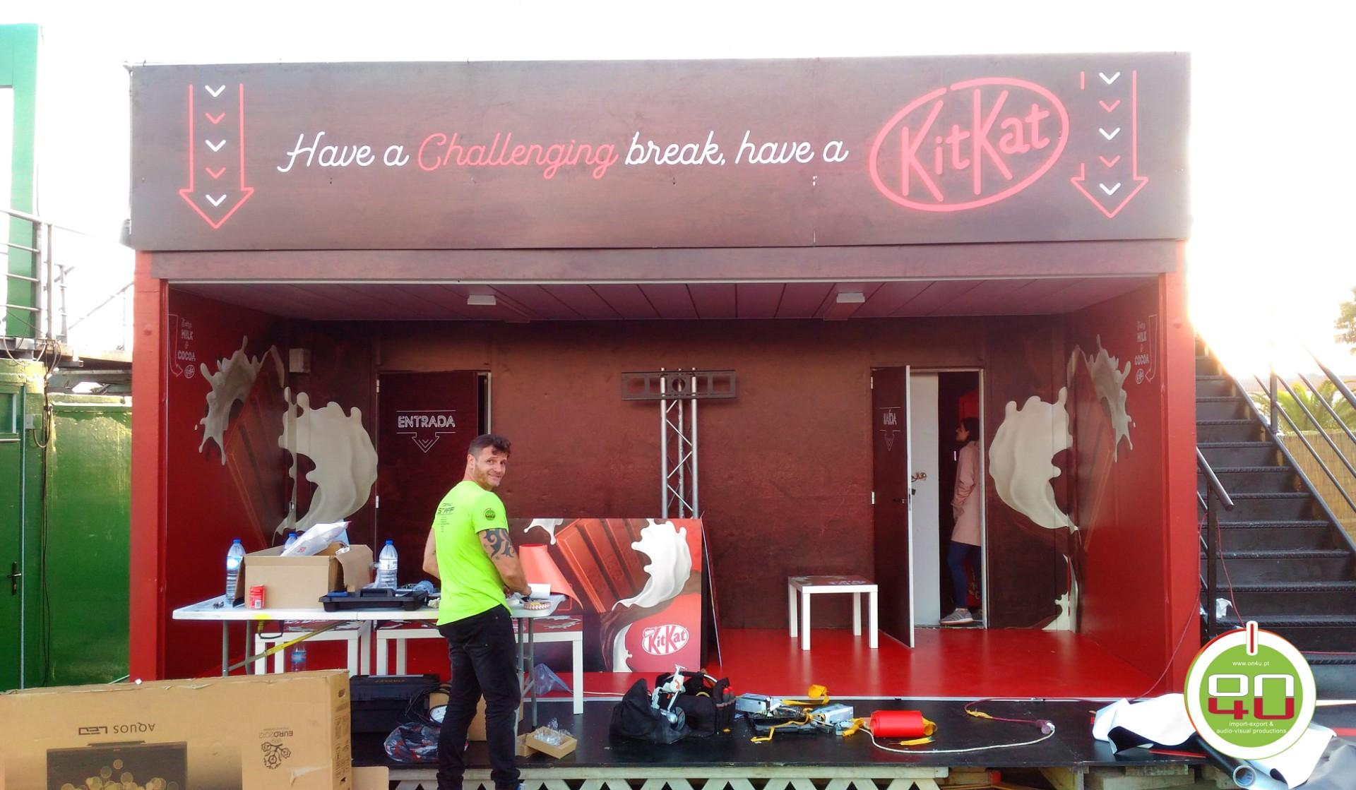 kitkat stand